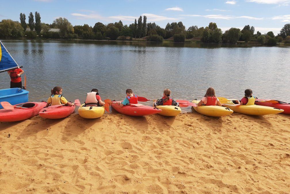 Activités voile et kayak avec les CM1 et CM2.